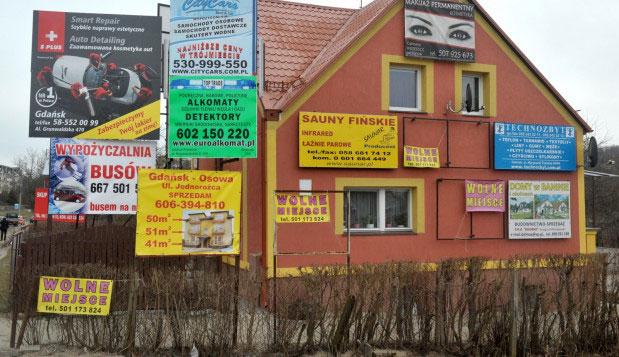 baner reklamowy na budynku
